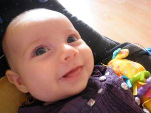 Sélène: un de ses premiers sourires