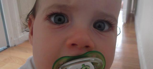 Le nez rouge... C'est un bébé malade!