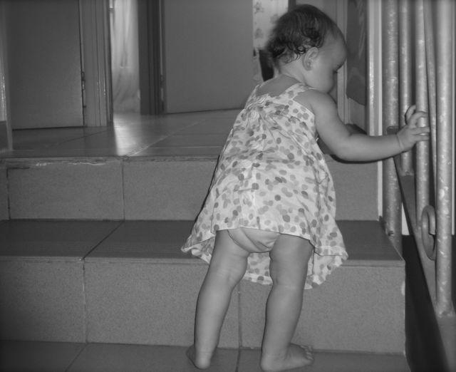 Bébé adore les escaliers