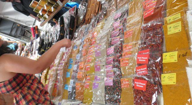 Au marché de Saint Paul, cote Ouest de l'île