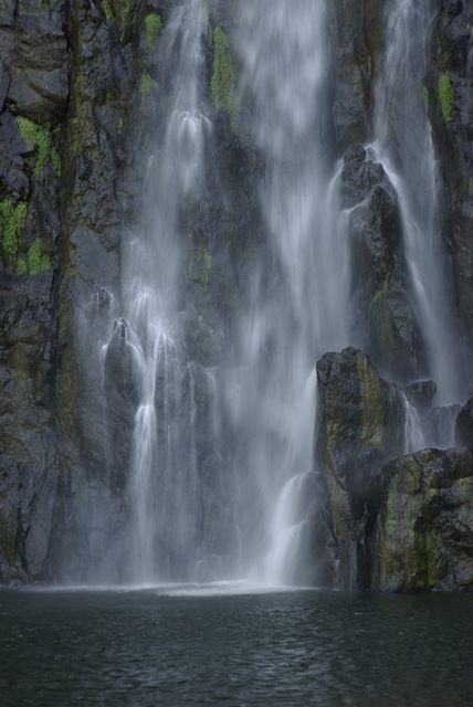 Une des nombreuses cascades présentes à la Réunion