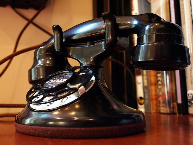 Vivre séparément implique de nombreuses heures au téléphone