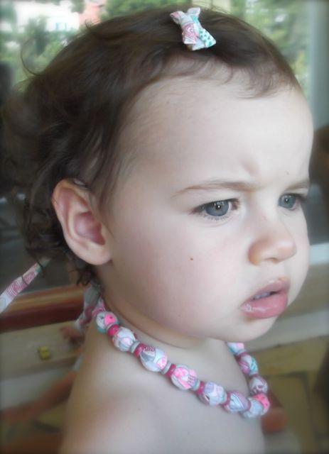coiffures-bebe-barrette2
