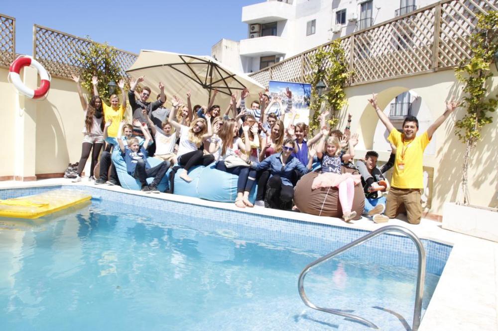 jeunes-piscine