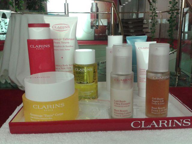 mumtobeparty, présentation des produits de Clarins qui nous acceuille