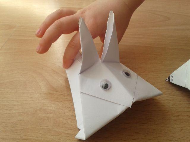 pr parer p ques avec les enfants des lapins en origami. Black Bedroom Furniture Sets. Home Design Ideas