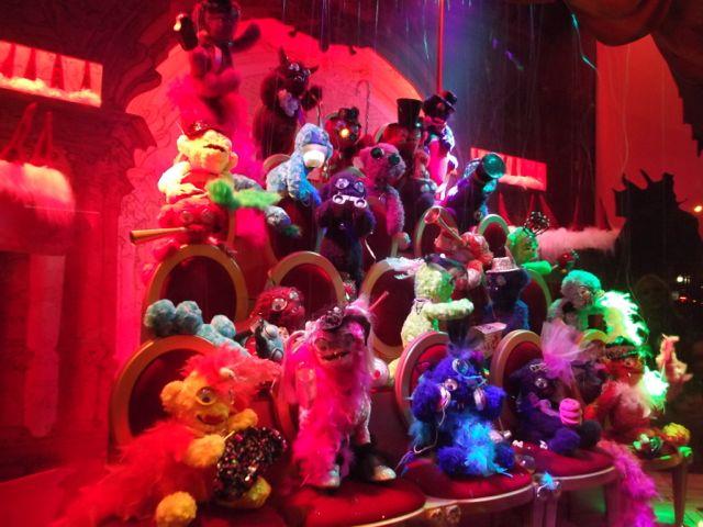 Id e de safari paris no l en l che vitrines working for Salon pixar paris