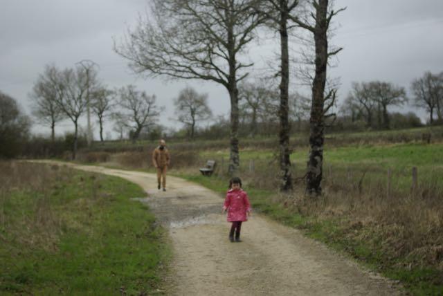 cabane-pressac balade dans les champs